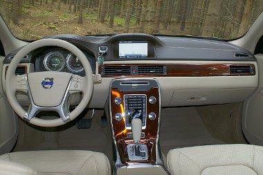 A középkonzol környéke új - a Sensus miatt az összes autóban van monitor