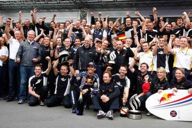 A Red Bull csapat mindent belead, de a Ferrari felgyorsult