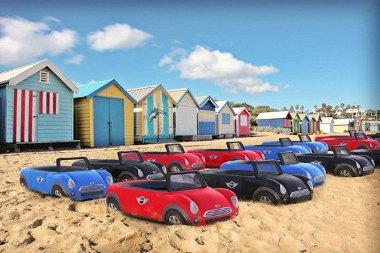 Már megint tele van a parkoló a strandon...