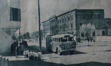 Magyar autóbusz jár Tirana, Albánia fővárosának utcáin