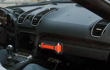 Egyedi légkiömlőket kap az új Porsche Boxster (és később a Cayman) a műszerfalára