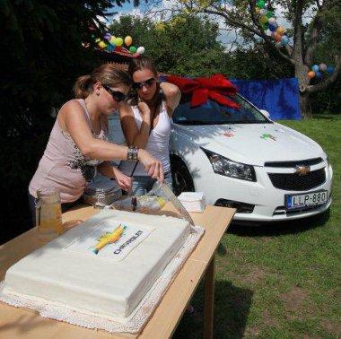 Hatalmas ünnepséget tartottak a Chevrolet Cruze átadása alkalmából a lajosmizsei SOS Ifjúsági Házban