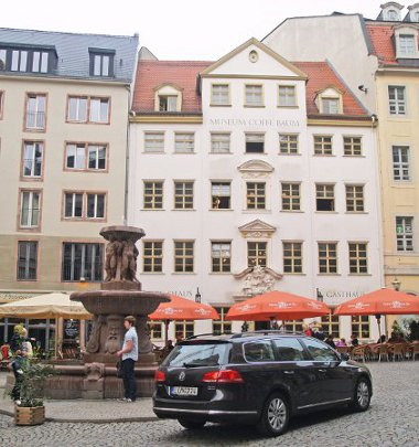 Európa második legöregebb kávéháza a lipcsei Coffe Baum. 1694-ben nyitott