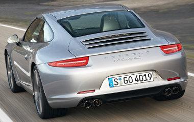 Keskenyebb, és LED-es lámpák teszik felismerhetővé a 991-es gyári kóddal rendelkező Porsche 911-est