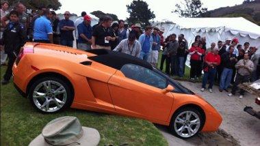 Veszélyes terep a golfpálya a Lamborghini Gallardo számára, még az összkerékhajtás se segít rajta minden esetben