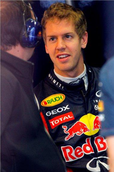 Vettel mindent megtesz azért, hogy idő előtt bebiztosítsa bajnoki címét