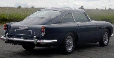 Hat éven át használta Paul McCartney az általa újonnan vásárolt Aston Martin DB5-öst