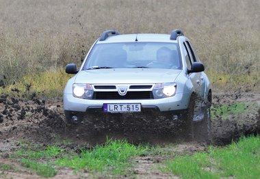 Az idei első félévben a Dacia Duster volt a legkeresettebb 4x4-es modell hazánkban. 510 db talált gazdára (27,5%-os piacrész)