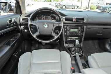 Ha a VW-ben jó volt, akkor a Skodában is – mindenütt ismerős elemek köszönnek vissza a Superbben