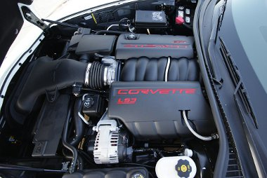 Húsz lóerővel megemelték a 6,2 literes V8-as teljesítményét a Grand Sport változat kedvéért. A hangja továbbra is remek, ereje brutális