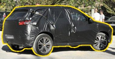 Fent a Peugeot, itt meg a Citroen SUV látható. A felnikről lehet megkülönböztetni őket, az alap mindkét esetben a Mitsubishi ASX