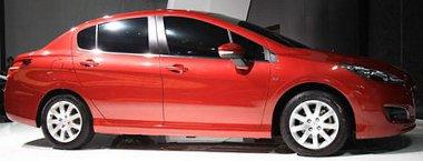 A szintén a 308-asra épülő Peugeot 408 mellett lesz a kínálatban Kínában a 308 Sedan. Más a hátsó lámpa