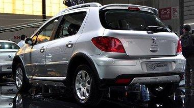 Chengdu-ban prezentálták a még mindig gyárttt 307-es szabadidő-autó változatát