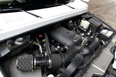 A V8-as szívási veszteségét sporlégszűrővel csökkentették