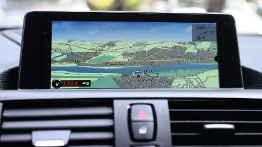 Navigáció: 8,8 colos, sík képernyővel, 697 500 forintért