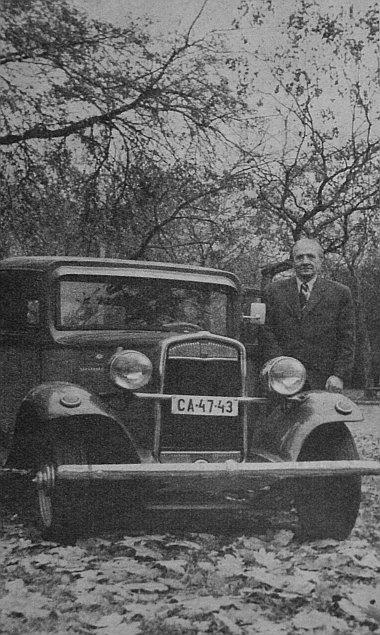 Balla János veterán autós és az autóveterán Fiat Balillája