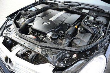 Kitölti a teret az 5,0 literes V8-as