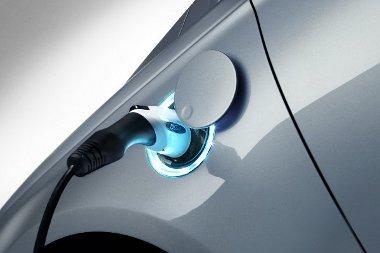 Konnektorról tölthető hibrid az Energi - Európában is várható a megjelenése