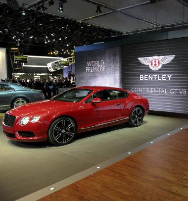 Bentley Continental V8 - így spórolnak a milliárdosok