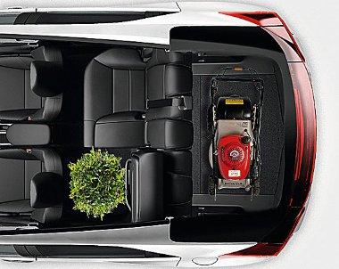 Az új Civic poggyásztere bő 100 literrel nagyobb, mint a riválisoké