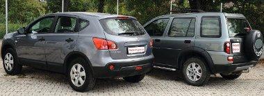 A Qashqai formája modernebb, a Land Rover a bumfordi vonalat képviseli