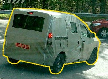 Alapáron csak egy oldalon kap tolóajtót a Dacia Dokker