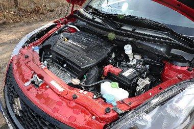 Nincs nagy gond a motorral, de a 136 lóerőtől manapság senki sem fog hasra esni. Baráti az 1,6-os fogyasztása, a tesztátlag 7,17 l/100 km volt