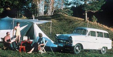Az első Opel CarAVan 1953-ból. Egyszerre szánták családi- és teherautónak
