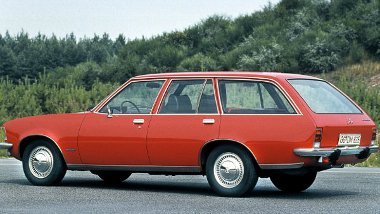 Az 1972-ben piacra dobott Rekordhoz lehetett először dízelmotort választani