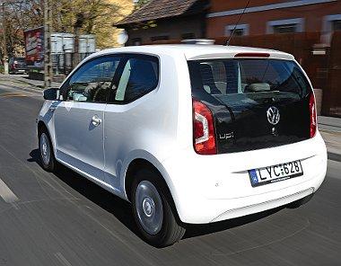 Bár az üzemanyagtank csak 35 literes, a hatótáv városi használatban is több mint 600 kilométer