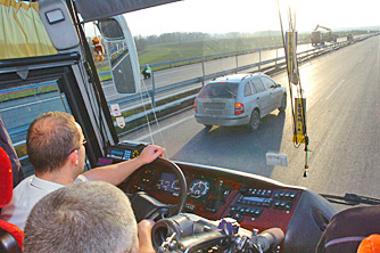 Busszal az M6-os autópályán: sokan szeretnék, ha akár a horvát tengerig el lehetne jutni sztrádán