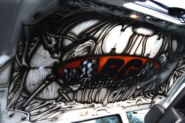 Igazán egyedi: a tetőburkolatra is airbrush-t festettek!