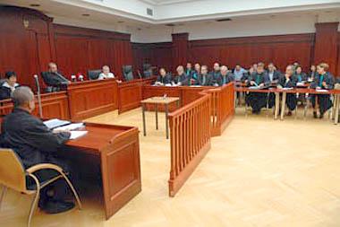 Eredetileg ötvenheten álltak a bíróság előtt, közülük egy vádlott időközben elhunyt, harmincötöt pedig a bíróság bizonyíték hiányában felmentett (Fotó: Mártonfai Dénes)
