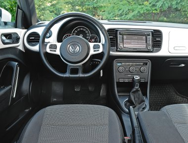 Sikeresen vegyítette a VW a modern és a retró stíluselemeket