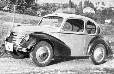 """A """"Pente 600"""" szintén futott már 1947-ben. Ez a modell is csak próbakocsi táblát kapott, - de kitűnően megállta a próbát"""