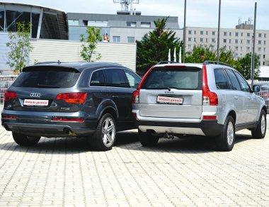 A két autó fazonja közötti különbség a menetdinamikában is visszaköszön – a békés külsejű Volvo kevésbé ruganyos