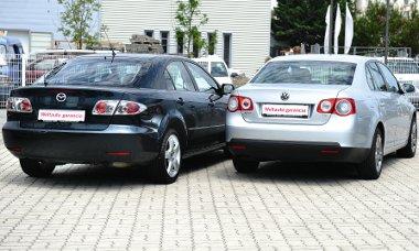 Annak dacára, hogy a Mazda6-os az idősebb, egyáltalán nem mutat rosszul a Jetta mellett