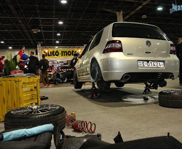 A BG-Tuning megmutatta, hogyan szerelnek légrugókat egy teljesen hétköznapi VW Golf alá
