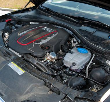 Bivalyerős a győri gyártású V8-as