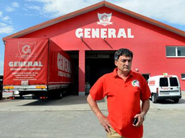 Bányai Béla keserűen nyilatkozta, hogy négy emberétől és két kamionjától az e-útdíj jelentette többletköltség miatt kellett megválnia (fotó: Mártonfai Dénes)