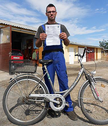 A surjányi Deák László a hivatalos papír ellenére sem érti, miért vitte magával a rendőrség a hét éve vásárolt autóját
