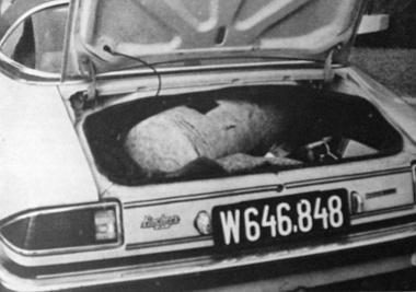 A gázpalackba bújtatott 1868 kvarcóra nem tekinthető szokványos esetnek