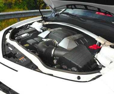 Visszafogva is remek a 6,2-es V8-as, de lehetne hangosabb is
