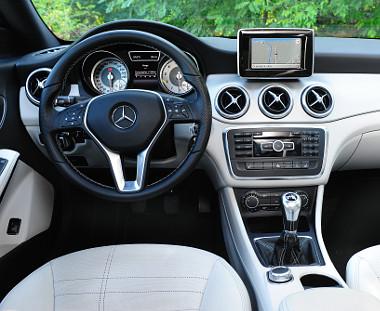 Önimádat: ebben az autóban a sofőrnek van a legjobb dolga