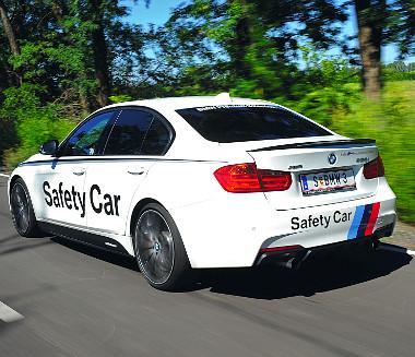 Egyedül a Safety Car felirat nem gyári a karosszérián