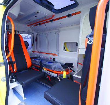 szabványos belsőt kapnak az új beszerzésű mentőautók