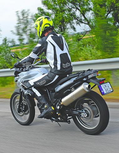 Az F 700 GS 35 kW-os (48 LE) kivitelben is elérhető, így ebben az esetben elég hozzá az A2-es vezetői engedély