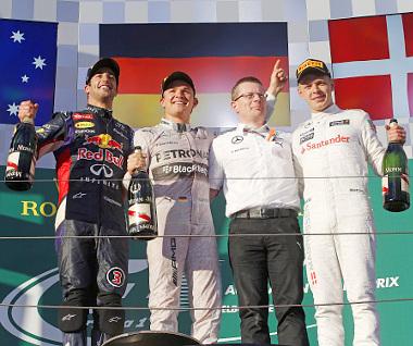 A dobogóra még felálhatott, később  szabálytalan autó miatt kizárták Daniel Ricciardót