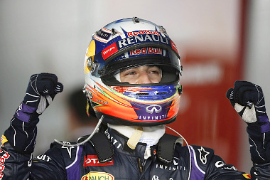 Öt órán át örülhetett a hazai pályánmegszerzett második helyének Ricciardo
