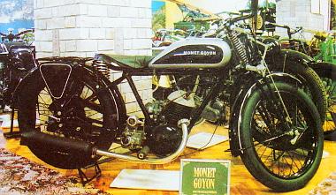 Franciaországban készült 1931-ben ez a Monet Goyon, a motor angol Villiers